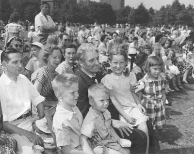 Schweitzer on the Esplanade for a Pops concert in 1949, courtesy of the BSO Archives.