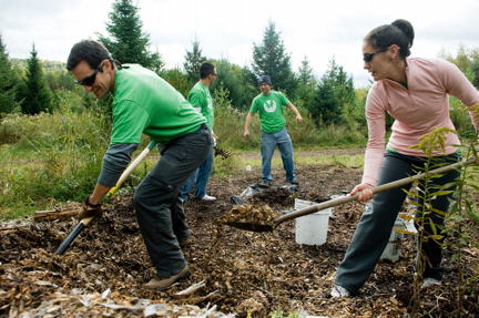 As part of the Schweitzer Fellowship-founded COM Cares Day, University of Vermont College of Medicine students volunteer in the community.