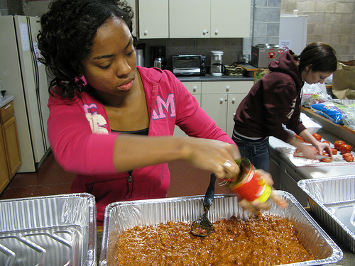 Last Sunday, Schweitzer Fellows prepared a meal for StreetWise vendors.